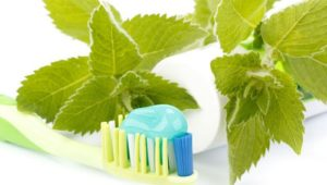 What Ingredients You Should Avoid In Your Toothpaste