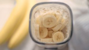 Benefits of Banana Milk, Plus a Lemon Banana Milk Pie Recipe